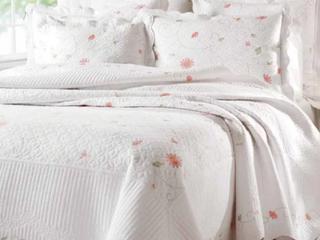 Petals Quilt  Retail 79 95