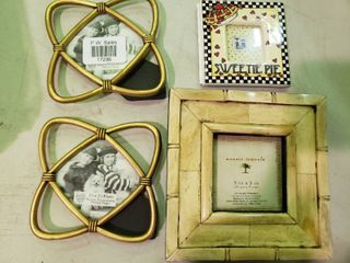 lot of 4 Small Picture Frames
