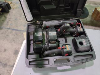 Craftsman Cordless Drill  Reciprocating Saw  Fluorescent light  Batteries and Charger in Case