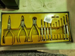 lot of Small Hand Tools