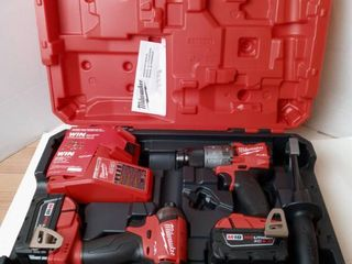 Milwaukee M18 Fuel 2 tool combo kit Hammer Drill Impact Driver 2 batteries  charger and carrying case