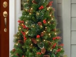Crestwood Green Spruce Artificial Christmas Tree with Clear White lights