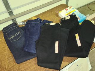 lot of 4 Womens size 4 Jeans