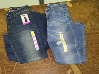 lot of 2 Size 6 Womens Jeans