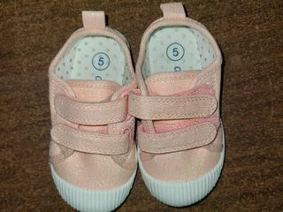 Toddler Girl Size 5 Tennis Shoes