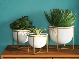 Bussell 3 Piece Metal Pot Planter   As Is