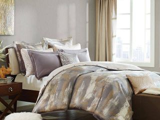 Madison Park Signature Graphix Queen 8 Piece Jacquard Comforter Set Bedding  Needs washed