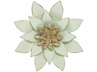 Foreside Home   Garden 10 7 x 10 3 inch White Metal layered lotus Flower Wall DAccor