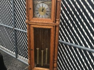 Oak grandfather clock came from estate thats all we know about it beautiful wood As pictured
