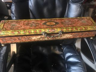 Absolutely beautiful decor box 20 inches long as a picture stunning looking back
