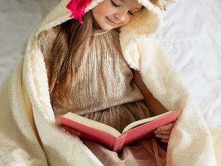Nice Christmas present new wonderland wrap a cozy wrap for kids mom and kids