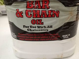 Pro select bar and chain oil for use with all chainsaws one gallon