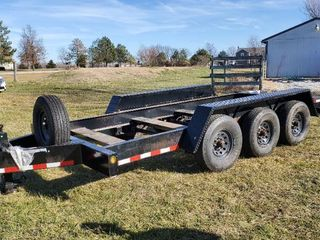 2013 lippert Components Trailer 16ft