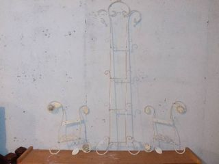 Nice 3 Piece lot Of Varying length Metal Mountable Decorative Plate Holders