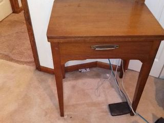 Vintage Singer Sewing Machine Tested And Working
