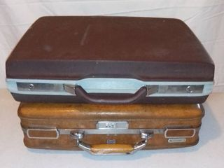 Pair of Vintage Carry on Suitcases Briefcases