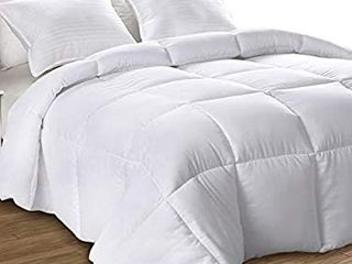 Utopia Bedding All Season 250 GSM Comforter   Ultra Soft Down Alternative Comforter   Plush Siliconized Fiberfill Duvet Insert   Box Stitched  King  White