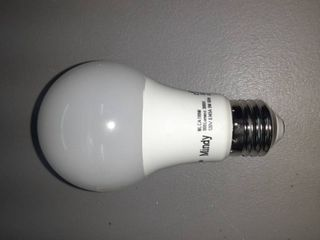 lED lightbulb 800 lumens 120V 9W 60Hz