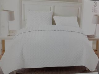 White Full Queen Embossed Quilt Set