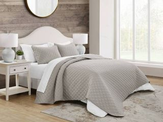King 3pc Maxton Embossed Quilt Set Taupe   Jade   Oake