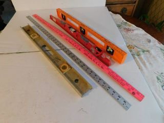 lot of Yardsticks   levelers