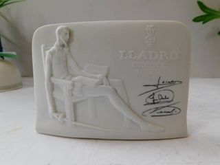 lladro   Signed Figurine