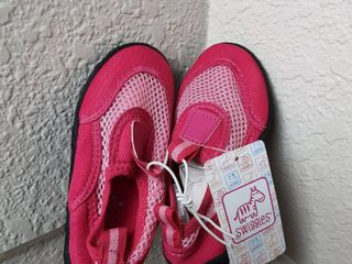 Swimming Shoes  Size 9 10 l