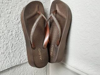 Flip Flops  Size 7
