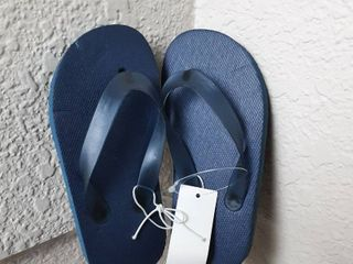 Flip Flops  Size 7 8 M