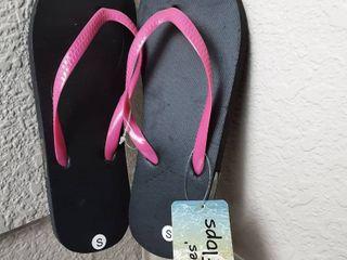 ladies Flip Flops Size Small  5 6