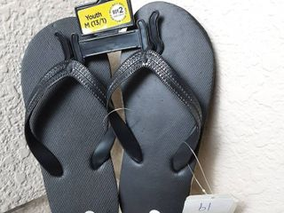 Flip Flops Size Youth M  13 1