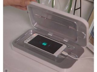 Phone Soap UV Sanitizer   Charger w  Phone Shine by lori Greiner PERIWINKlE