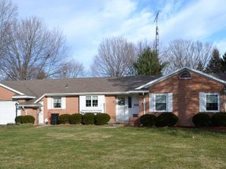 REAL ESTATE-3 Bedroom-Brick Ranch-1.12 acres