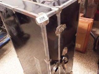 Storage Trunk  16