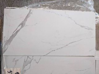 12 X 24  WHITE MARBlE lOOK PORCElAIN TIlE  434 SF