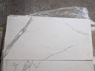 12 X 24  WHITE MARBlE lOOK PORCElAIN TIlE  240 SF
