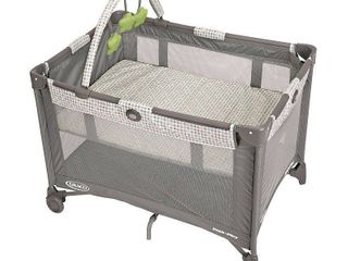 Graco Pack  n Play On the Go Playard with Bassinet  Pasadena