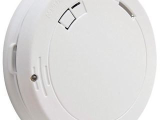 First Alert Ten Year Photoelectric Smoke Alarm with led