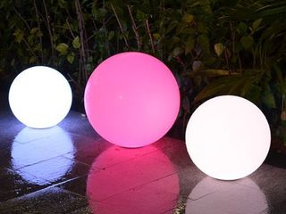 Modern Home lED Glowing Sphere with Infrared Remote Control Retail 112 99