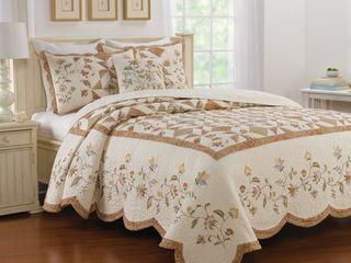 Camila Queen Bedspread