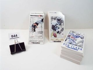 Football 1992 NFl Gameday Cards  approx 240