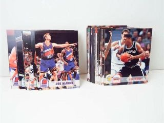 Basketball 1993 NBA Hoops Cards  approx 40