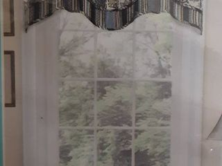 Two Waverly Navarra Window Valances