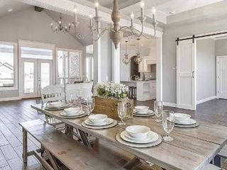 The Gray Barn Blueberry Butte Belgian White French Country Chandelier   D29 5  X H24 5  Retail 446 99