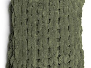 40  x 50    Olive  Donna Sharp s Chunky Chenille Throw Retail 80 00
