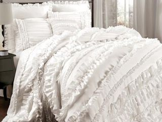 White   Queen  Gracewood Hollow Quist Ruffle 4 piece Comforter Set Retail 183 99