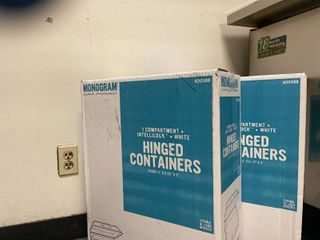 2  Boxes Of Hinged Foam Containers