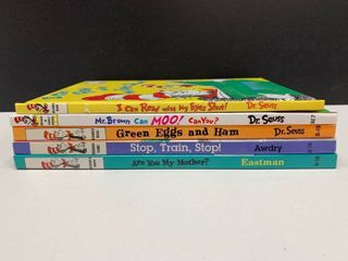 lot of 5 Beginner Books   Includes Dr Seuss