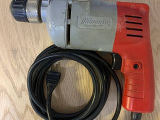 Milwaukee 3 8 Inch Variable Speed Drill with Keyless Chuck   Works