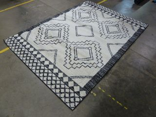 5  x 8  Black and White Area Rug